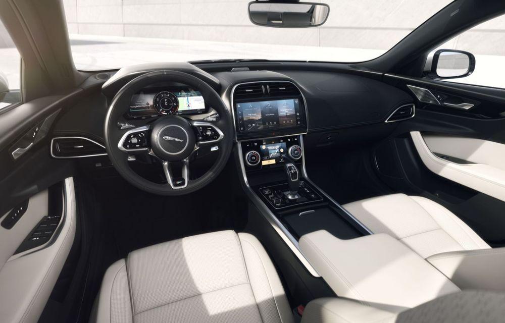 Jaguar XE și XF R-Dynamic Black: 204 CP și o serie de elemente vopsite în negru - Poza 21