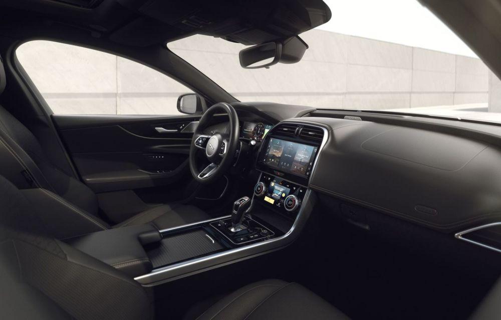 Jaguar XE și XF R-Dynamic Black: 204 CP și o serie de elemente vopsite în negru - Poza 22