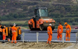 Au început lucrările la lotul 5 al autostrăzii Pitești - Sibiu. Are o lungime de 30 de kilometri