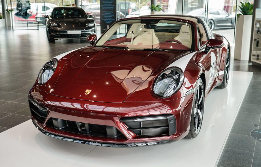 Galeria Țiriac Collection s-a îmbogățit cu o nouă mașină specială: Porsche 911 Targa 4S Heritage Design - Poza 1