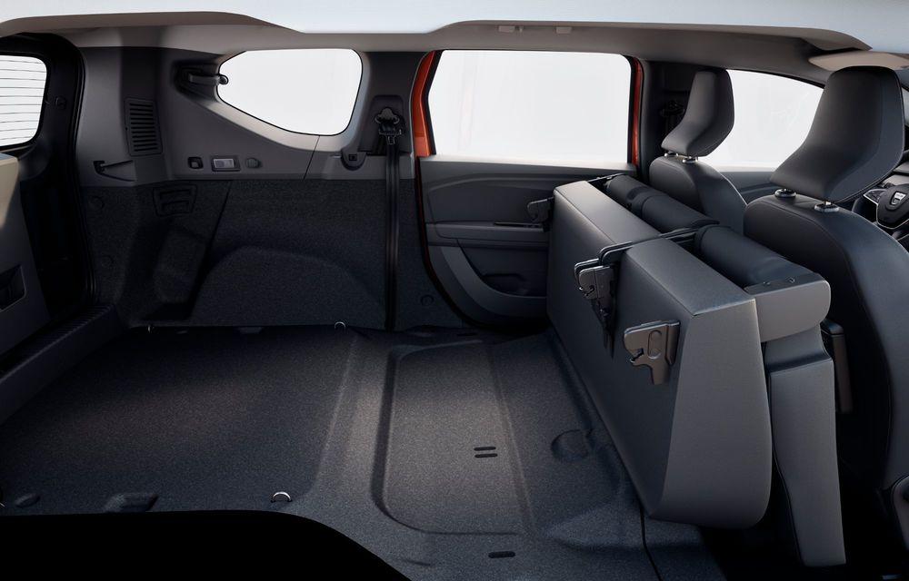 Am văzut pe viu Dacia Jogger: 5 lucruri esențiale despre noua mașină de familie + VIDEO - Poza 20
