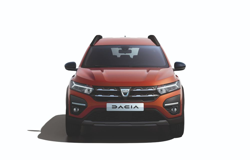 Am văzut pe viu Dacia Jogger: 5 lucruri esențiale despre noua mașină de familie + VIDEO - Poza 21