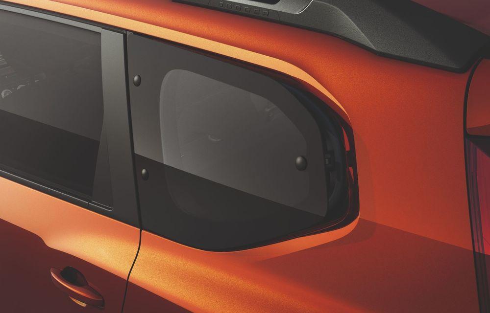Am văzut pe viu Dacia Jogger: 5 lucruri esențiale despre noua mașină de familie + VIDEO - Poza 23