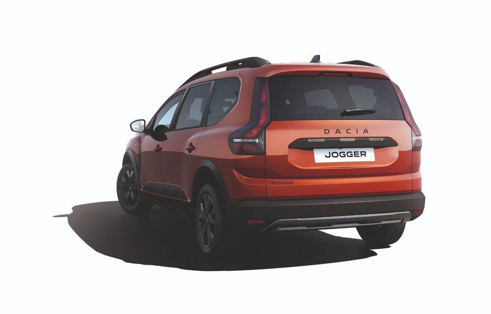 Am văzut pe viu Dacia Jogger: 5 lucruri esențiale despre noua mașină de familie + VIDEO - Poza 31
