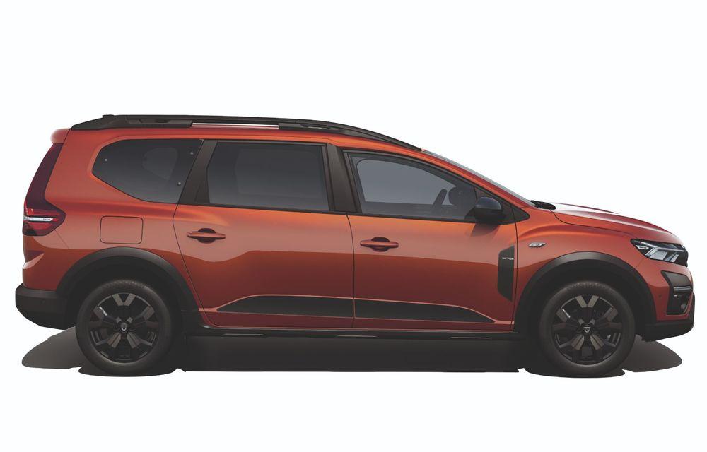 Am văzut pe viu Dacia Jogger: 5 lucruri esențiale despre noua mașină de familie + VIDEO - Poza 32