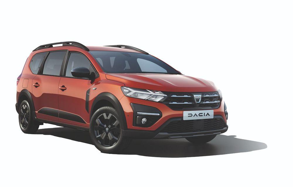 Am văzut pe viu Dacia Jogger: 5 lucruri esențiale despre noua mașină de familie + VIDEO - Poza 33