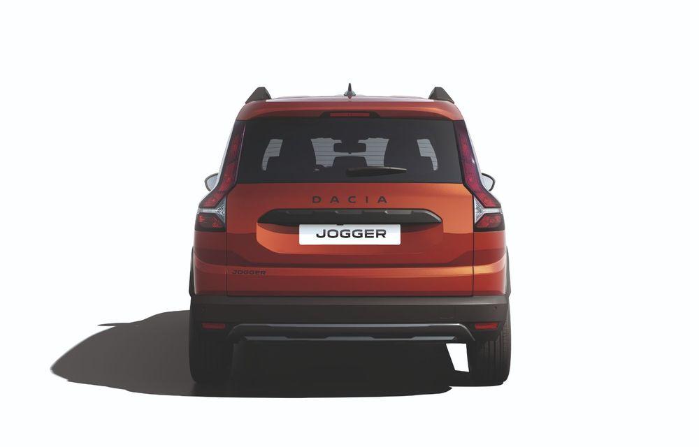 Am văzut pe viu Dacia Jogger: 5 lucruri esențiale despre noua mașină de familie + VIDEO - Poza 22