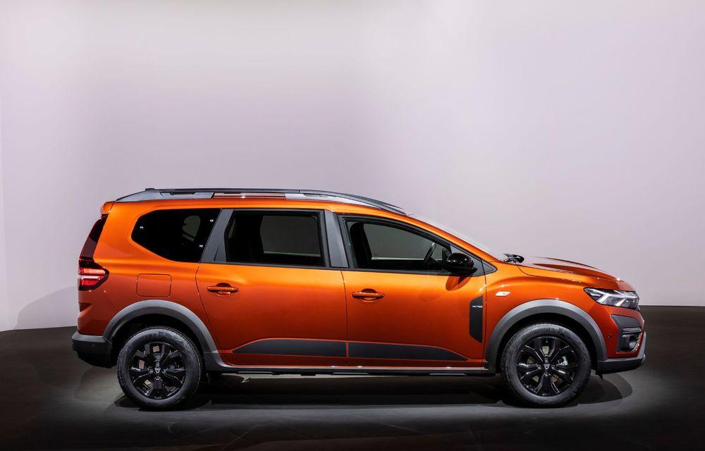 Am văzut pe viu Dacia Jogger: 5 lucruri esențiale despre noua mașină de familie + VIDEO - Poza 4