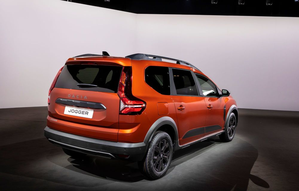Am văzut pe viu Dacia Jogger: 5 lucruri esențiale despre noua mașină de familie + VIDEO - Poza 6