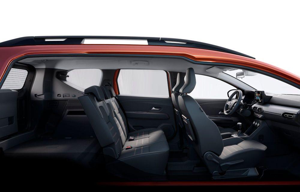 Am văzut pe viu Dacia Jogger: 5 lucruri esențiale despre noua mașină de familie + VIDEO - Poza 14