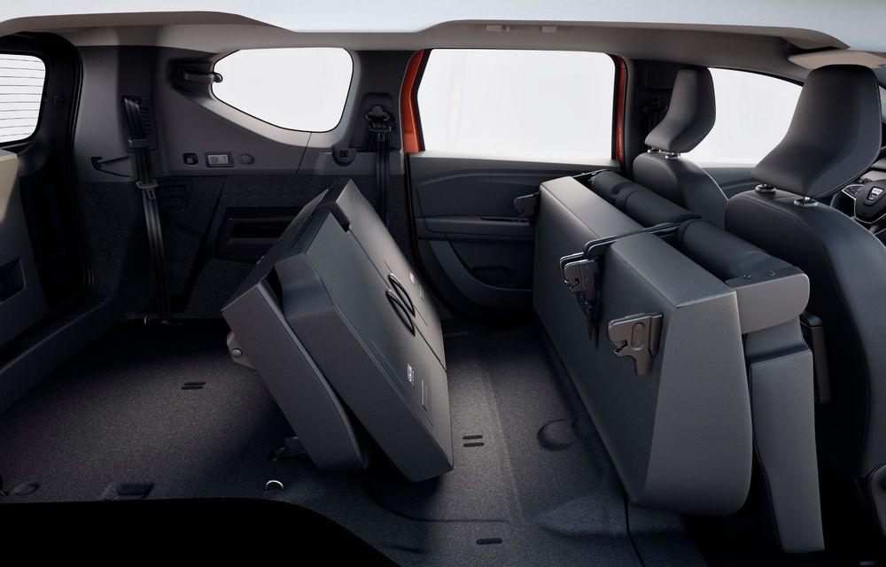 Am văzut pe viu Dacia Jogger: 5 lucruri esențiale despre noua mașină de familie + VIDEO - Poza 16