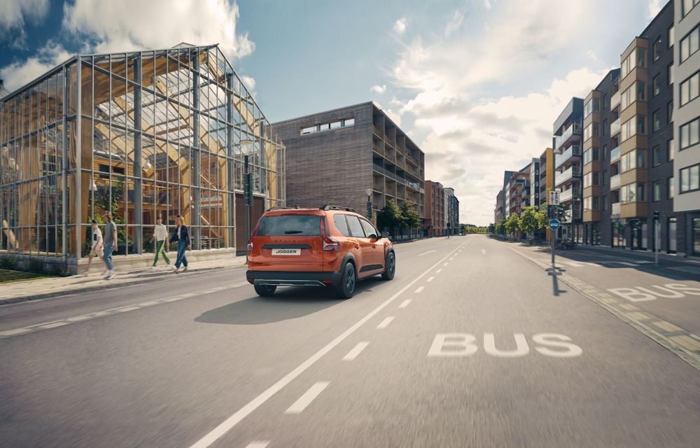 PREMIERĂ: Dacia Jogger debutează cu motor nou de 110 CP. Versiune hibrid programată pentru 2023 - Poza 8