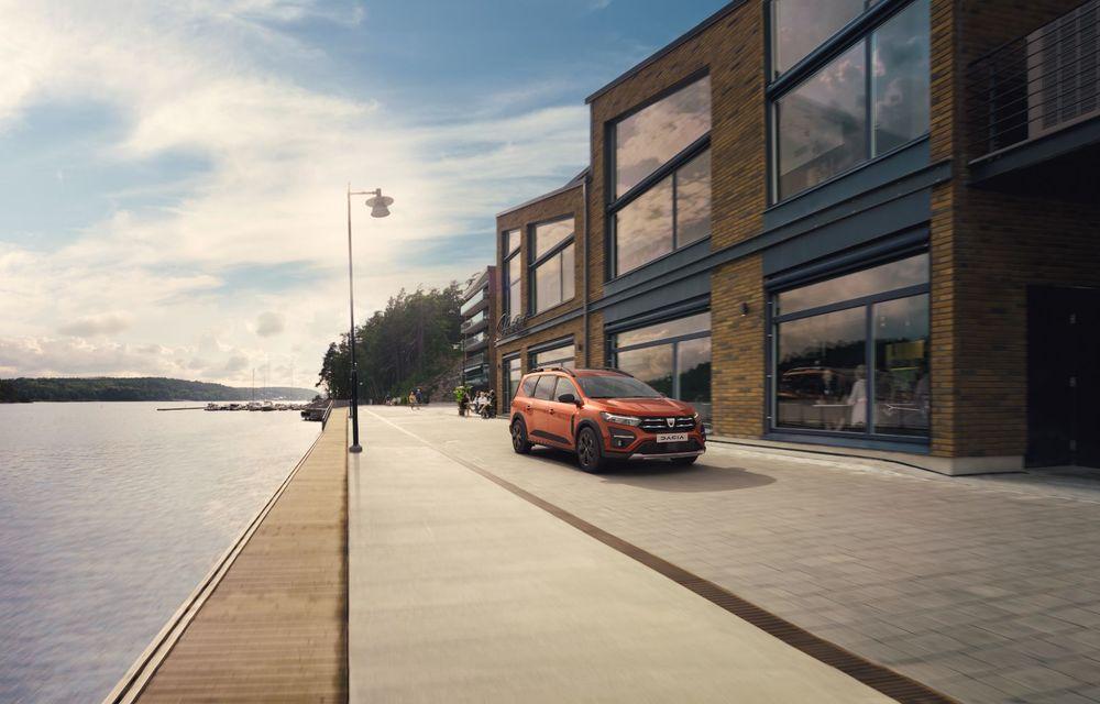 PREMIERĂ: Dacia Jogger debutează cu motor nou de 110 CP. Versiune hibrid programată pentru 2023 - Poza 3