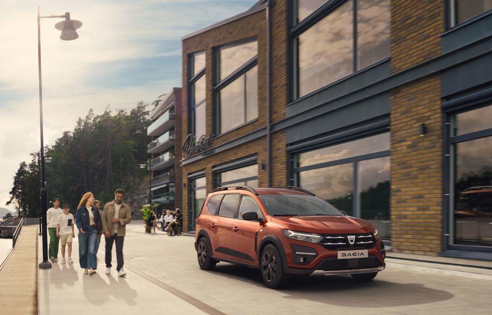 PREMIERĂ: Dacia Jogger debutează cu motor nou de 110 CP. Versiune hibrid programată pentru 2023 - Poza 2