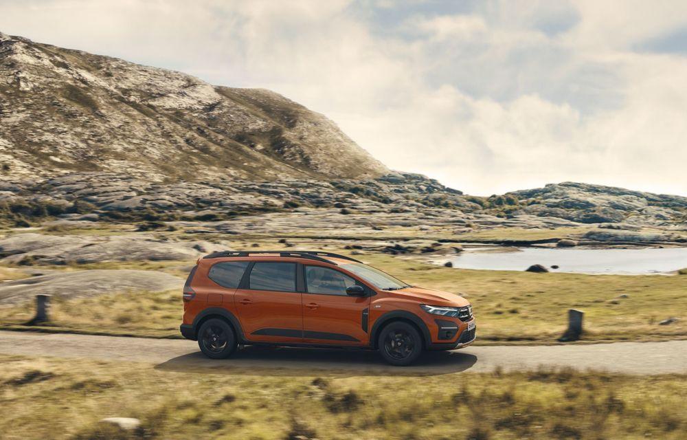 PREMIERĂ: Dacia Jogger debutează cu motor nou de 110 CP. Versiune hibrid programată pentru 2023 - Poza 4