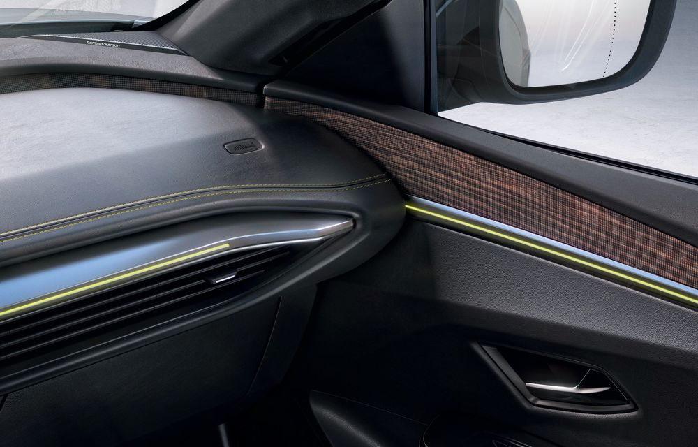 Am văzut pe viu noul Renault Megane Electric: 5 motive pentru care e un model revoluționar + VIDEO - Poza 20