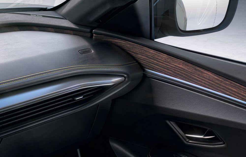 Am văzut pe viu noul Renault Megane Electric: 5 motive pentru care e un model revoluționar + VIDEO - Poza 31