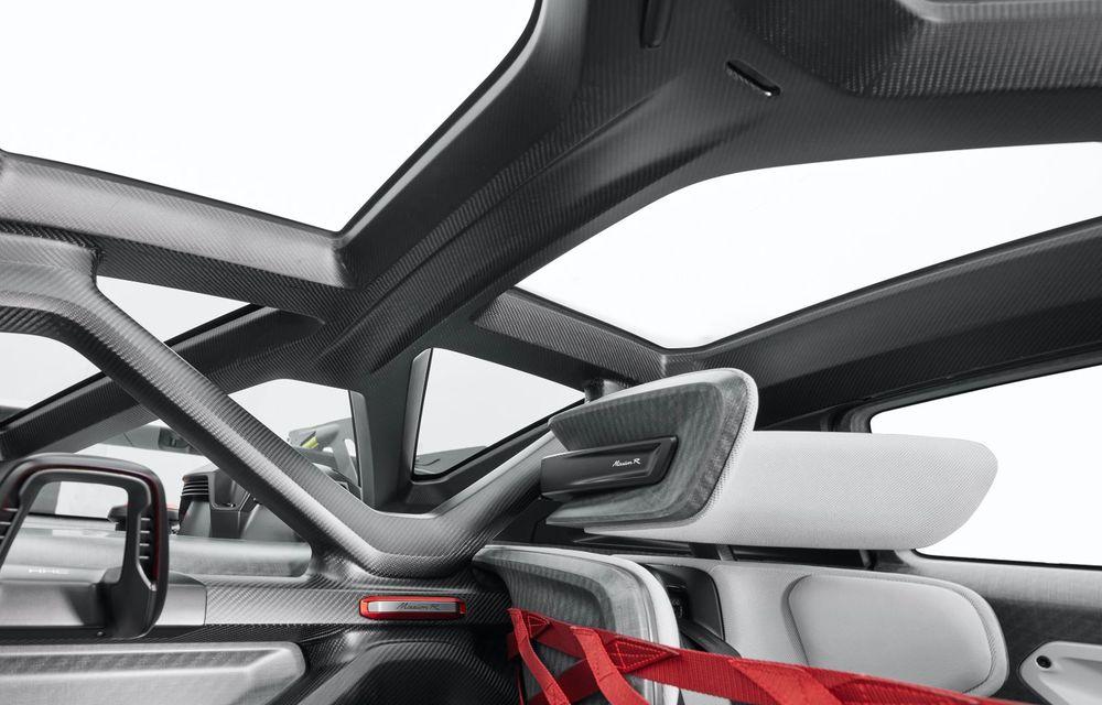 Conceptul electric Porsche Mission R: până la 1.088 CP și 0-100 km/h în 2.5 secunde - Poza 13
