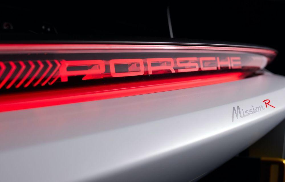 Conceptul electric Porsche Mission R: până la 1.088 CP și 0-100 km/h în 2.5 secunde - Poza 21