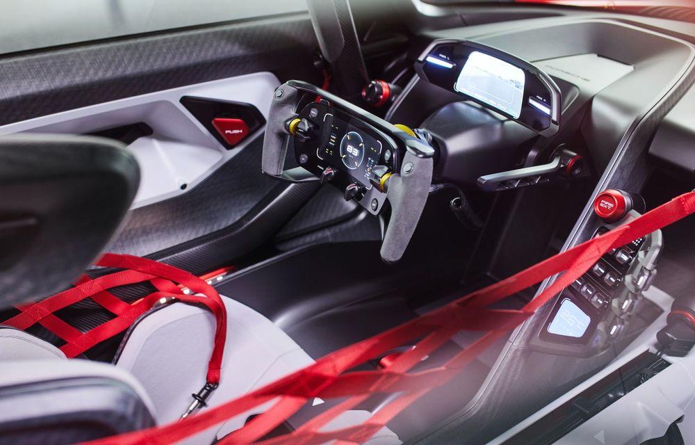 Conceptul electric Porsche Mission R: până la 1.088 CP și 0-100 km/h în 2.5 secunde - Poza 15