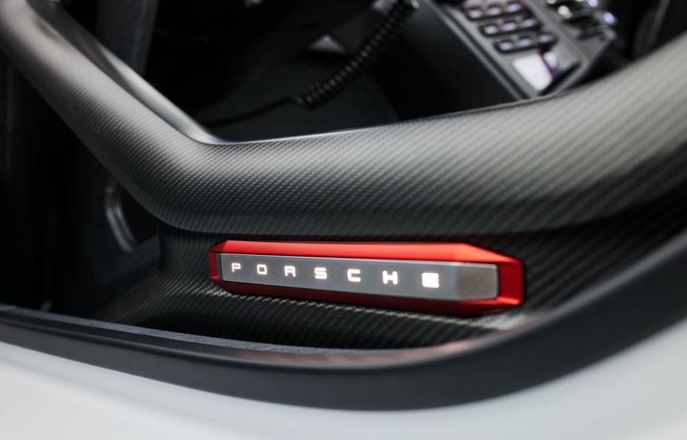 Conceptul electric Porsche Mission R: până la 1.088 CP și 0-100 km/h în 2.5 secunde - Poza 23