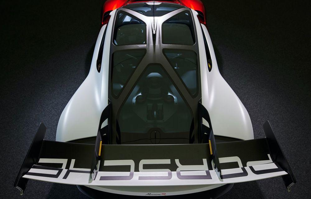 Conceptul electric Porsche Mission R: până la 1.088 CP și 0-100 km/h în 2.5 secunde - Poza 26