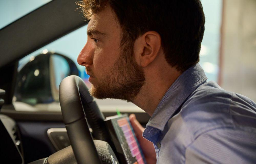 Cum se obține mirosul de mașină nouă - Poza 1