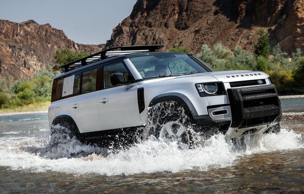 Land Rover Defender ar putea primi o versiune de lux, bazată pe viitorul Range Rover - Poza 1