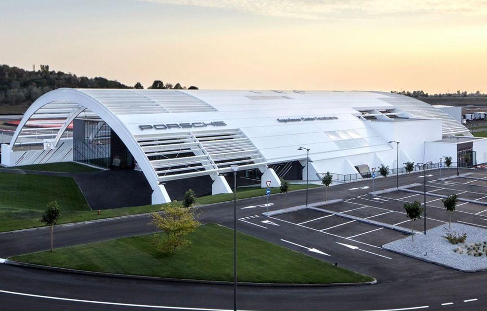 Porsche deschide cel mai mare Experience Center din lume, în Italia. Include un circuit omologat pentru competiții - Poza 2