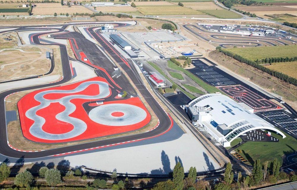 Porsche deschide cel mai mare Experience Center din lume, în Italia. Include un circuit omologat pentru competiții - Poza 3