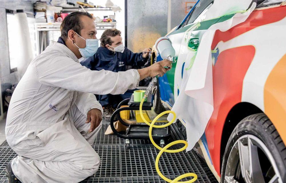 Noul BMW Seria 2 Coupe, transformat în Art Car cu ajutorul unui artist mexican - Poza 3