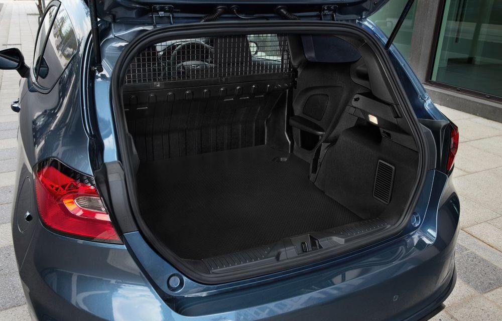 Ford Fiesta Van facelift vine cu faruri LED în standard și poate funcționa cu bio-combustibil E85 - Poza 9