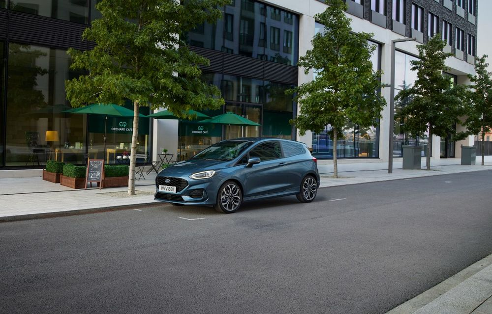 Ford Fiesta Van facelift vine cu faruri LED în standard și poate funcționa cu bio-combustibil E85 - Poza 3
