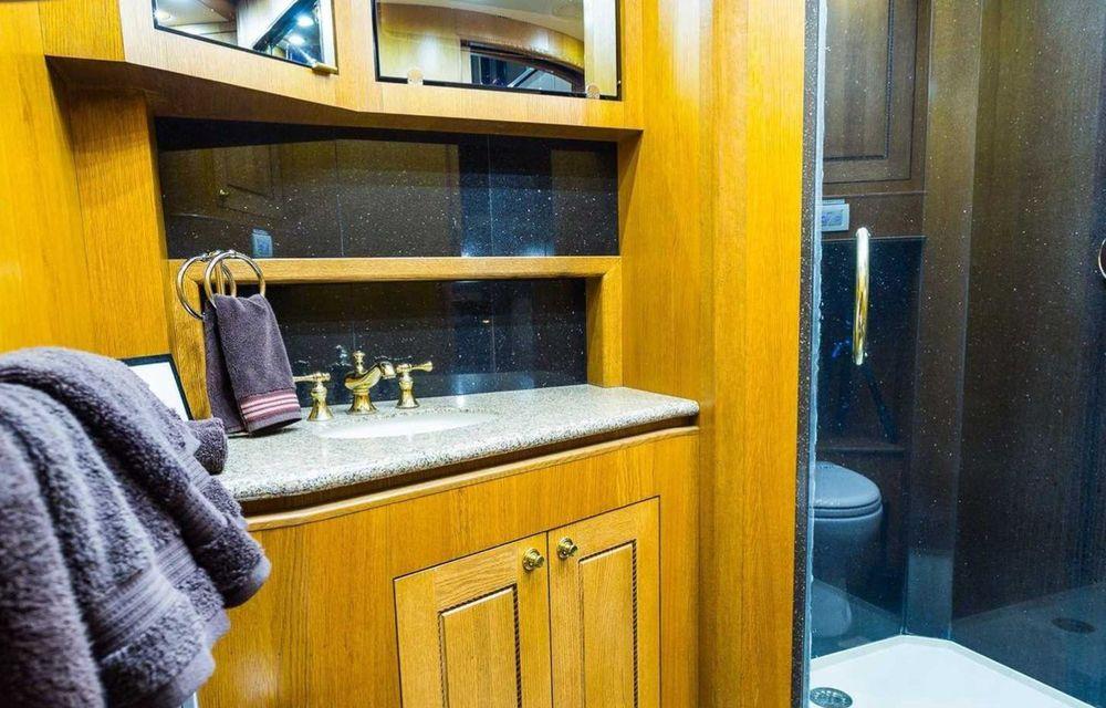 Will Smith are o rulotă de 2.5 milioane de dolari, echipată cu saună și cinema - Poza 9