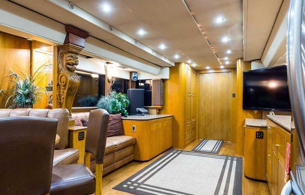 Will Smith are o rulotă de 2.5 milioane de dolari, echipată cu saună și cinema - Poza 10