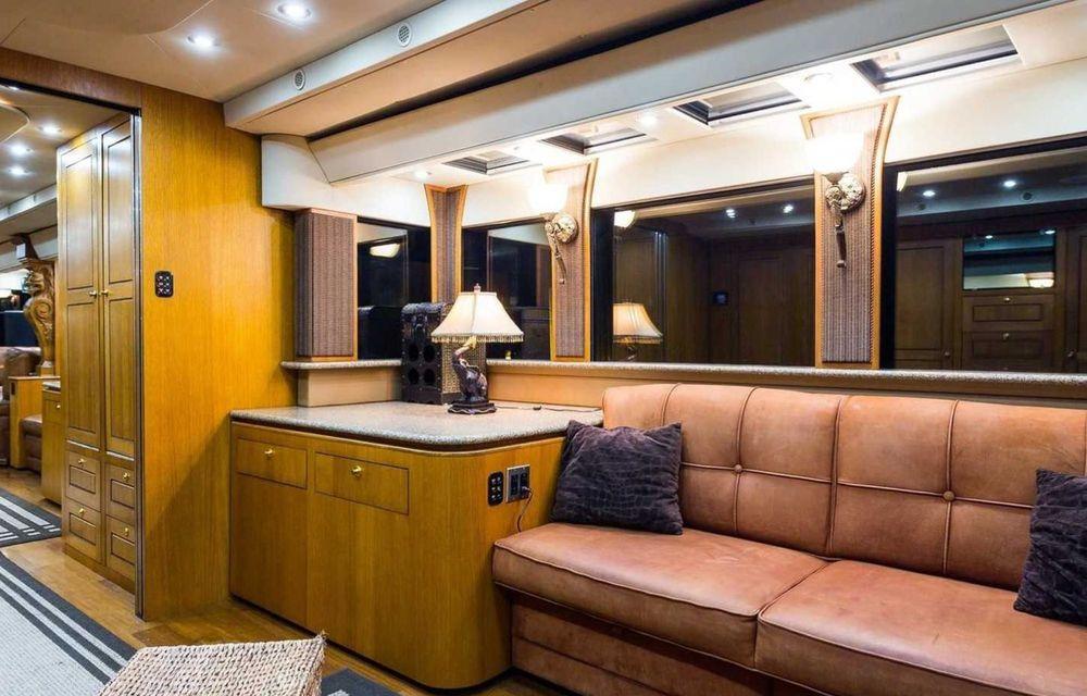 Will Smith are o rulotă de 2.5 milioane de dolari, echipată cu saună și cinema - Poza 13