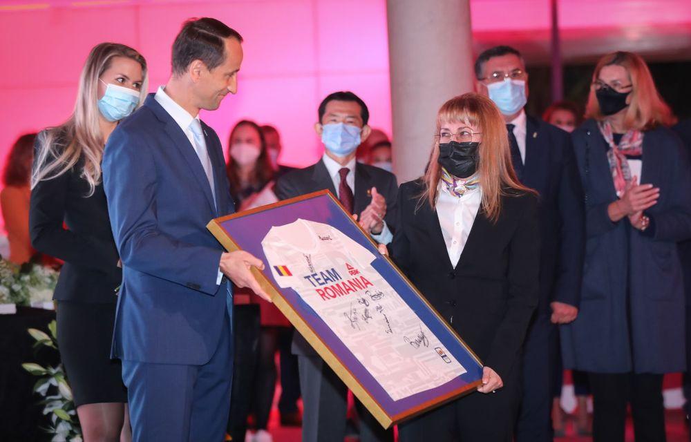 Medaliații români de la Tokyo au fost premiați cu modele Toyota hibrid - Poza 41