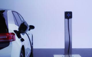 O companie românească a lansat o priză pentru mașini electrice. Preț de 499 de euro + TVA