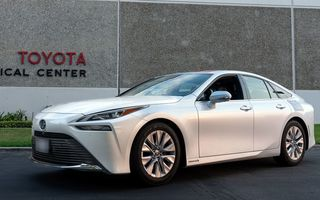 Record mondial: Toyota Mirai a parcurs 1.360 de kilometri cu un singur plin de hidrogen