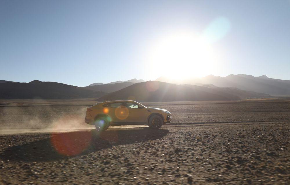 Lamborghini Urus ajunge pe cea mai înaltă șosea din lume: 5.880 de metri altitudine - Poza 5