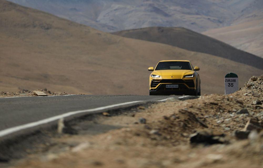 Lamborghini Urus ajunge pe cea mai înaltă șosea din lume: 5.880 de metri altitudine - Poza 8