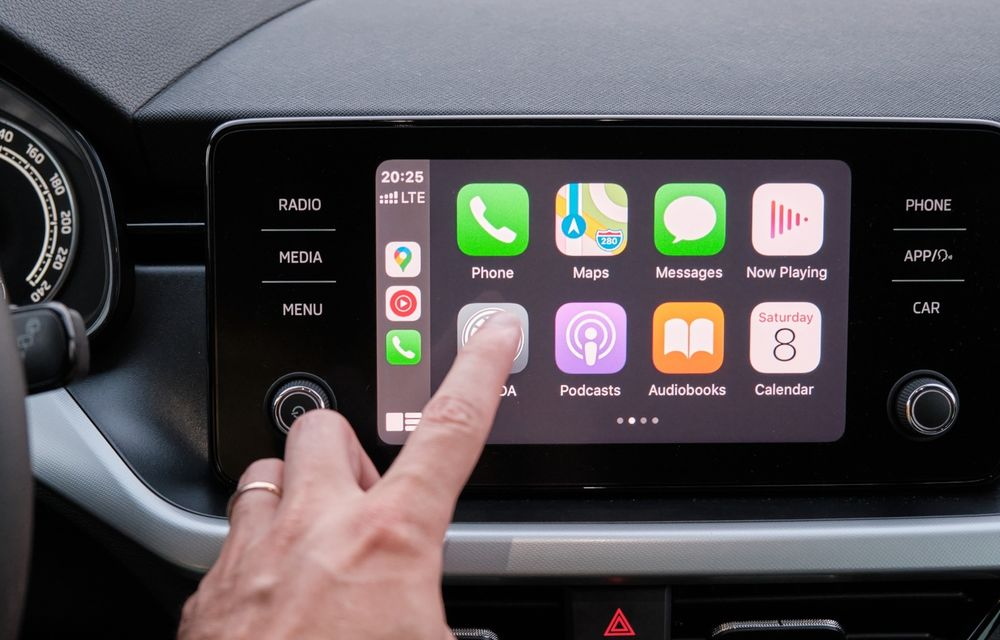 Viitoarea generație Apple CarPlay ar putea controla sistemul de climatizare și alte funcții ale mașinii - Poza 1