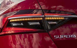 Viitoarea generație Skoda Superb debutează în 2023 cu interior nou și motoare îmbunătățite