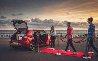 Seat transformă Ibiza facelift în club mobil: bar, lumini și consolă de mixare încorporate