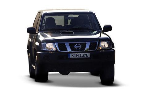 Nissan Patrol 3 usi (1997-2013)