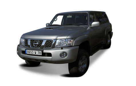 Nissan Patrol 5 usi (1997-2013)