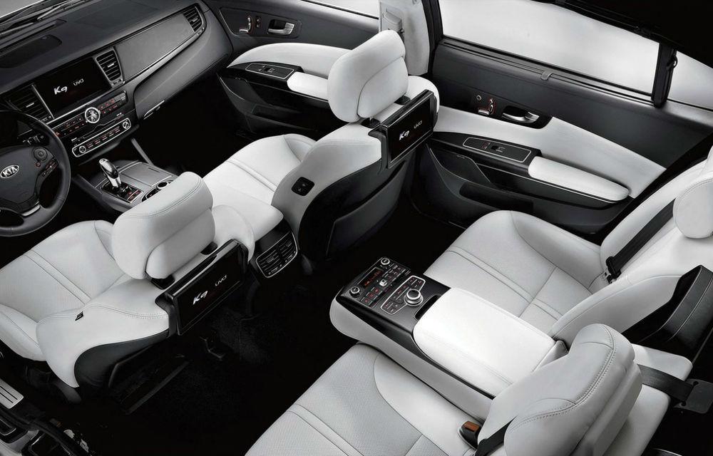 Kia K9, prima berlină premium a coreenilor, debutează în SUA cu un motor V8 - Poza 2