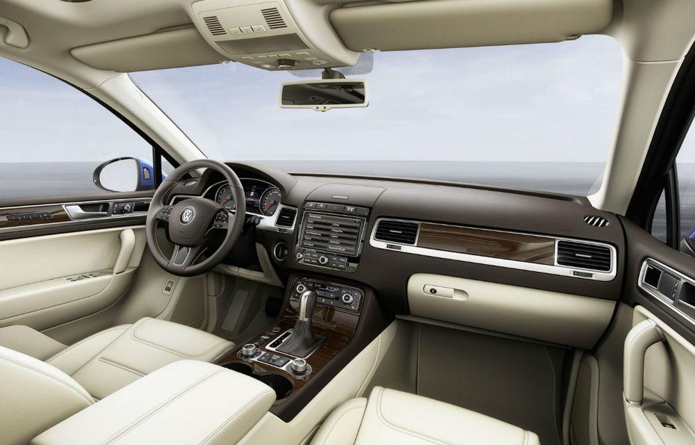 Preţuri Volkswagen Touareg facelift: versiunea restilizată a SUV-ului german pleacă de la 43.900 euro - Poza 2