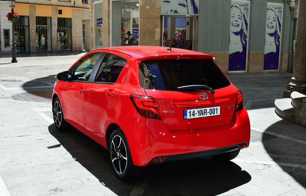 Toyota Yaris facelift: primele imagini şi informaţii oficiale - Poza 2