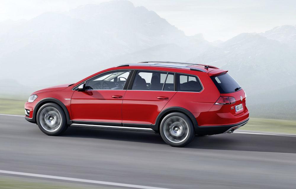 Preţuri Volkswagen Golf Alltrack în România: break-ul cu apetit off-road costă 25.134 de euro - Poza 2